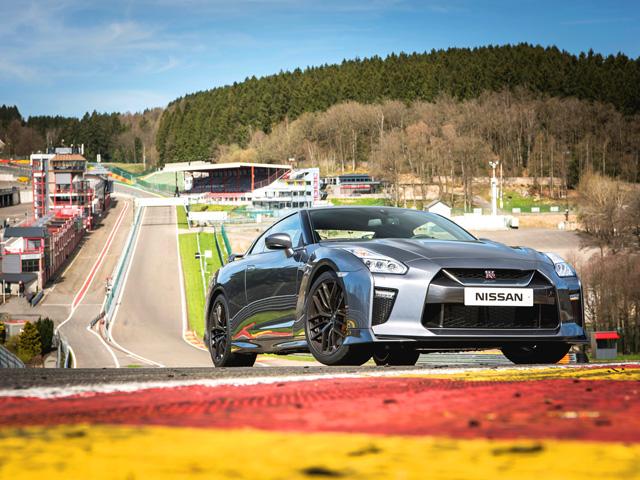 GT-R 3.8 V6 Track - E2